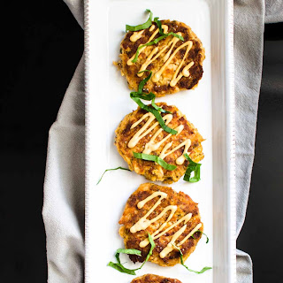 Simple and Easy Salmon Cakes with Hot Sauce Aoli.