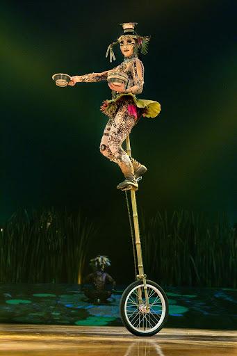 Cirque-du-Soleil_unicycle.jpg - Cirque du Soleil at Sea performs on MSC Meraviglia six nights a week.