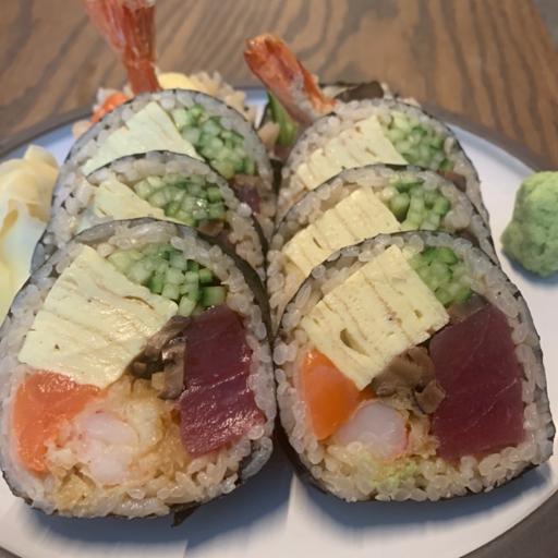 Futomaki Roll (9pcs)
