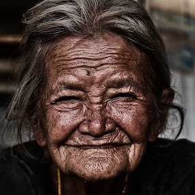 smile by Yungki Dblur - People Portraits of Women