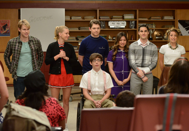 """Photo: GLEE: Some of the glee club members perform for their Senior classmates in the """"Goodbye"""" season finale episode of GLEE airing Tuesday, May 22 (9:00- 10:00 PM ET/PT) on FOX. Pictured L-R: Chord Overstreet, Heather Morris, Damian McGuinty, Kevin McHale (bottom), Jenna Ushkowitz, Darren Criss and Vanessa Lengies. ©2012 Fox Broadcasting Co. CR: Mike Yarish/FOX"""