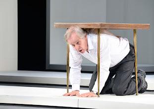 Photo: Wien/ Theater in der Josefstadt: KAFKA - EIN PROJEKT VON ELMAR GOERDEN. Premiere 25.4.2015. Regie: Elmar Goerden. Toni Slama. Foto: Barbara Zeininger