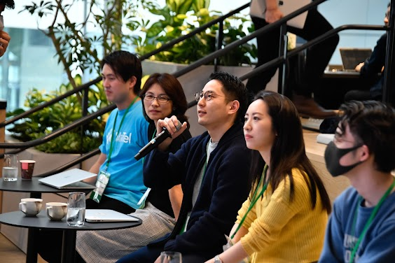 man speaking into microphone, Program Overview, Google for Startups Accelerator, Campus Tokyo, Google for Startups