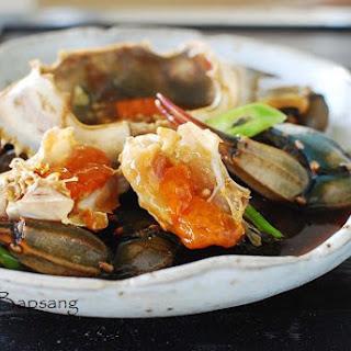 Ganjang Gejang (Raw Crabs Marinated in Soy Sauce).