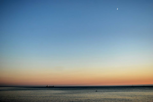Moon and sea di laravet