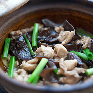 Chinese Chicken Stew with Black Fungus.