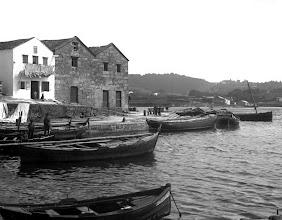 Photo: Barcas xeiteiras, as grandes, e gamelas as pequenas.