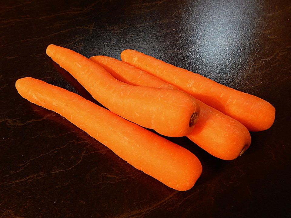 carrots-1436887_960_720.jpg