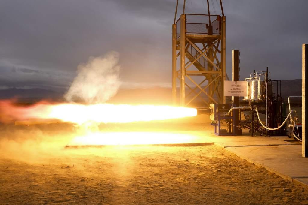 Испытание двигателя LOX / Propylene с 3D печатной форсункой.