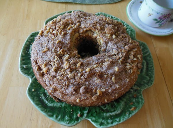 Traditional Sour Cream Coffee Cake Recipe