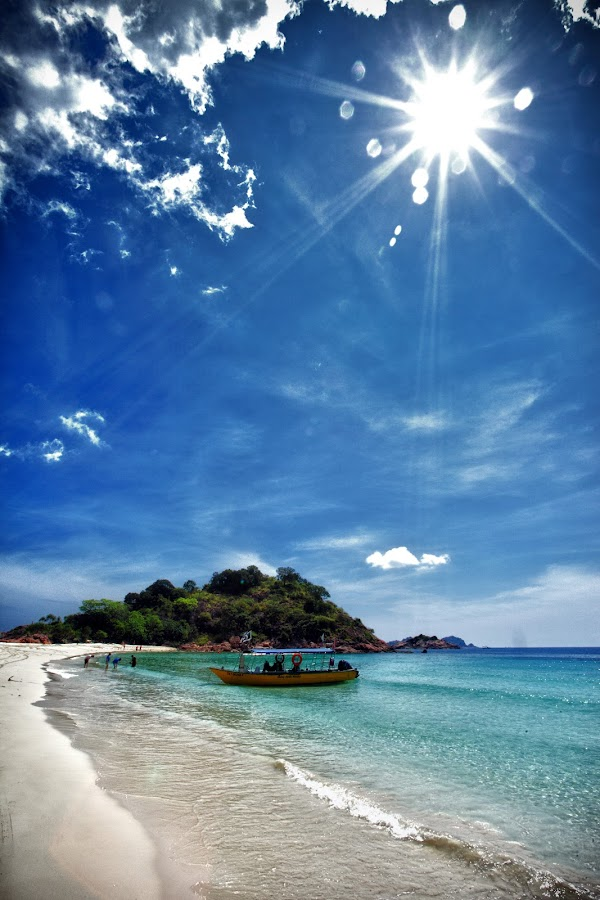Sunny day by Leong Ong - Landscapes Beaches (  )