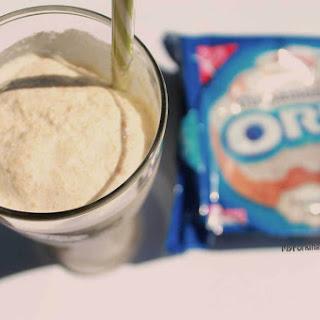 Cinnamon Bun Cookie Milkshake.
