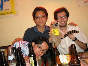 Photo: dia 01.10: Alberto, Victor e Oscar (e o quati)