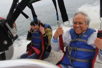 Photo: Chuẩn bị bay. Nước biển tung tóe phía sau do thuyền vẫn đang chạy mà.