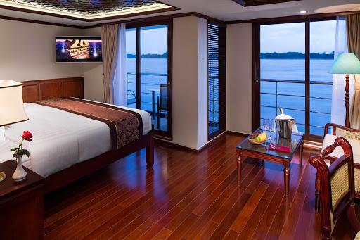 AmaDara-Junior-SuiteF - A Junior Suite on the luxury river ship AmaDara.
