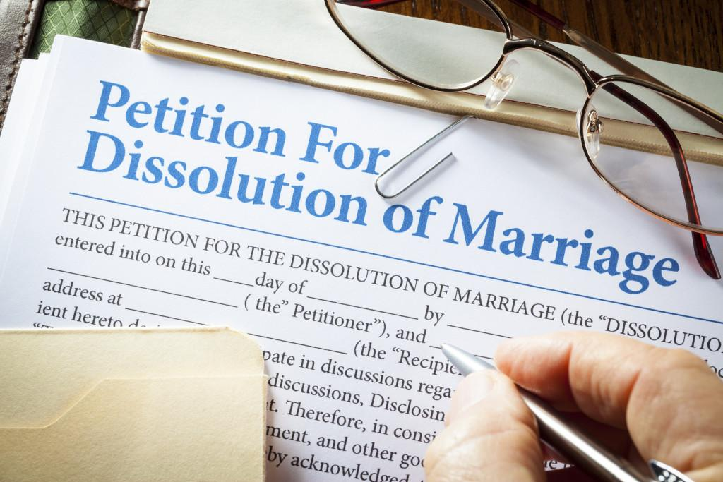 """How Important is it to be """"First"""" to File for Divorce in Virginia? -  Feldesman Tucker Leifer Fidell LLP"""