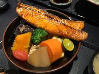 八坂丼屋 義大世界店