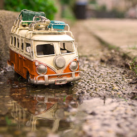 the bus ends up in the gutter by Fok Vleeshakker - Artistic Objects Other Objects ( bus, street, travel, goot, toy )