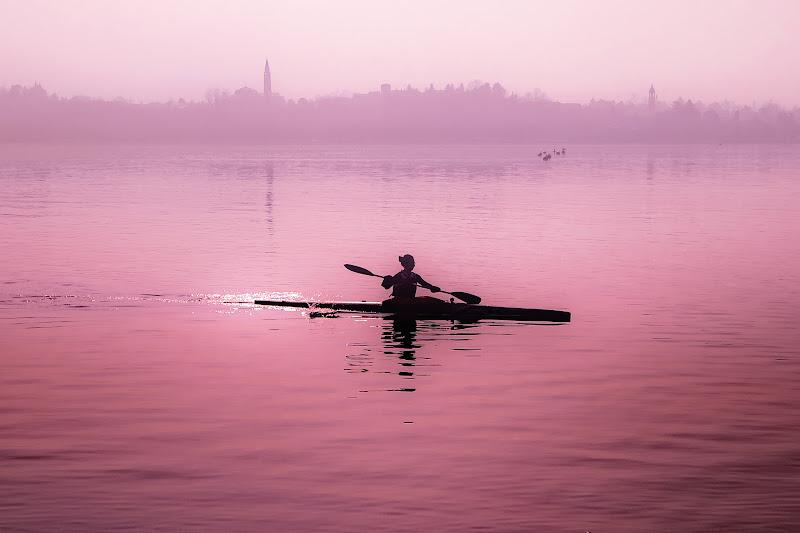 atmosfere sul lago rosato di walter_staffolani