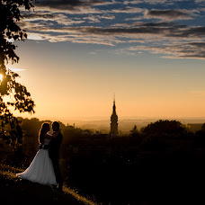 Wedding photographer Marek Kielbusiewicz (MarekKielbusiew). Photo of 19.07.2017