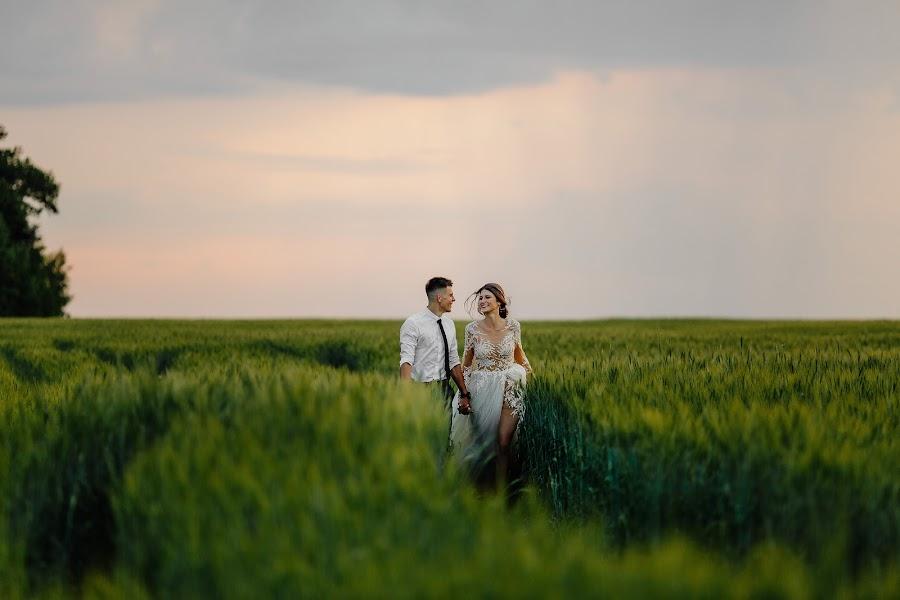 Wedding photographer Evgeniya Rossinskaya (EvgeniyaRoss). Photo of 10.06.2019