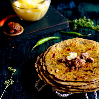 Missi Roti Recipe (Spicy North Indian Flatbread Recipe).
