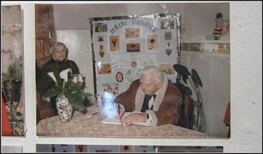 "Photo: Str. Dr. Ioan Ratiu, Nr.71 - Casa Familiei Ratiu monument istoric Ion Ratiu in vizita la casa Familiei Ratiu sursa  ""Expoziția de fotografie Ion Rațiu. Un destin pentru România. - 2016.07.21  foto https://picasaweb.google.com/114438352800090731131/6312042905474465169?feat=flashalbum#6313089912806426418 Album expozitie  http://ana-maria-catalina.blogspot.ro/2016/07/expozitia-de-fotografie-ion-ratiu-un.html"