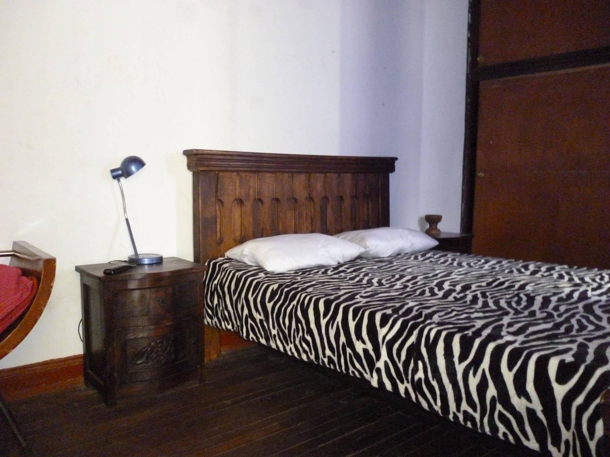 B and B CQ Chapinero Hostel