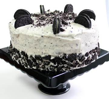 Junia's Cookies & Cream Cake