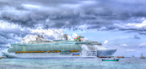 liberty-of-seas-painterly.jpg - Liberty of the Seas next to Allure of the Seas in this stylized painterly portrait.