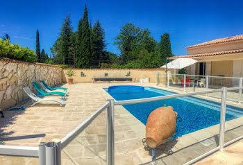 villa à Saint-Laurent-des-Arbres (30)