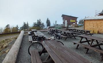 Photo: V čase mého prvního výjezdu na Lysou bylo nahoře trošku mlhavo.