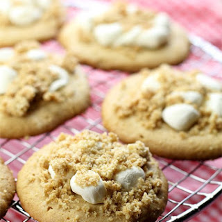 Peanut Butter Cookies with Marshmallow Peanut Crumb Topping.