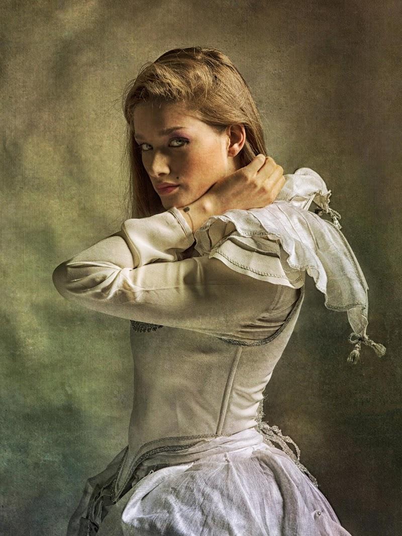 Una donna di classe per una foto d'epoca...e viceversa di franca111