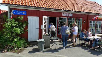 Photo: På Strikkekafe fikk vi lunsj og handlet litt ull.