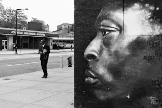 Photo: Derrière le mur se cachent d'autres réalités... Behind the wall hide the other realities...  This for #streeartsunday by +Luís Pedro +Peter Tsai +Mark Seymour  Also for #streetpics #streetshots  (NYC)