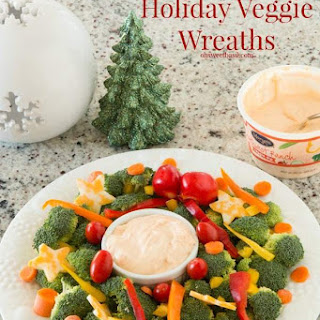 Holiday Party Veggie Wreaths and Dip
