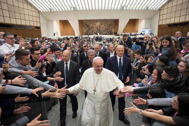 Đức Thánh Cha đưa ra thách đố cho các bạn trẻ đến từ Brescia