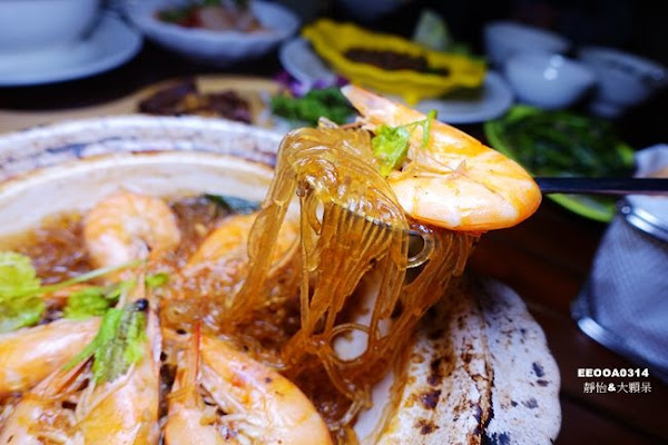 Lacuz 泰食-樂 泰式料理餐廳 ▶ 公館泰式料理吃到飽 ▶ 每人$480元+10%起 泰式料理現點現做&自助吧吃到飽 #捷運公館站 #完整菜單