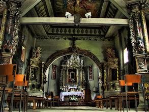 Photo: Drewniany kościół rzymsko-katolicki pw. św. Piotra i Pawła wzniesiony został jako cerkiew unicka w latach 1739-1742. Wśród barokowego wyposażenia na uwagę zasługuje unikatowa polichromia z I poł. XVIII w. malowana na płótnie.