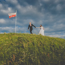 Wedding photographer Maciej Niesłony (magichour). Photo of 16.08.2015