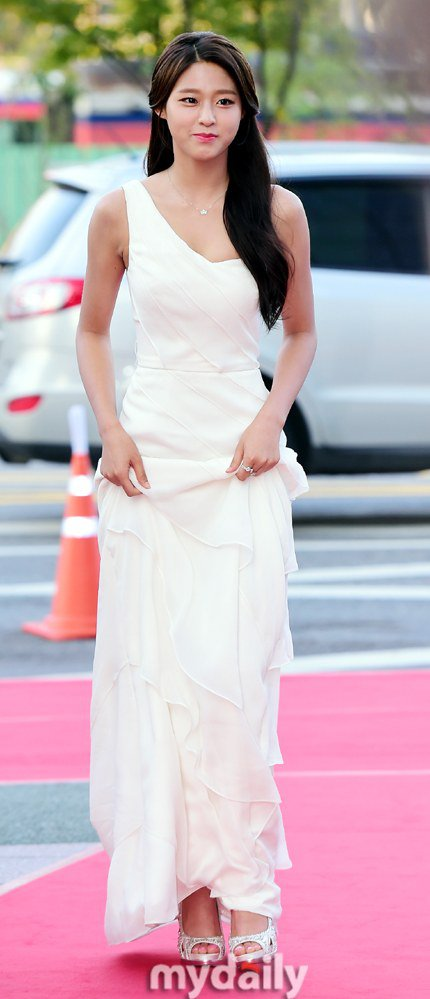 seol gown 30