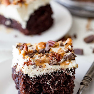Easy Turtle Poke Cake