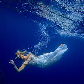 Underwater model by Sergei Tokmakov - People Portraits of Women ( model, sexy, girl, blue, underwater, sea,  )