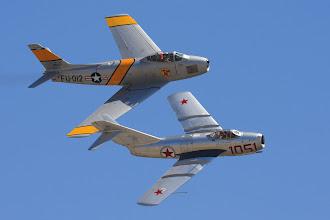 Photo: MiG a Sabre