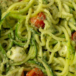 Zucchini Noodles – Caprese Style