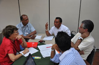 Photo: Working group discussing SRI potentials and constraints for small farmers [photo by Erika Styger]