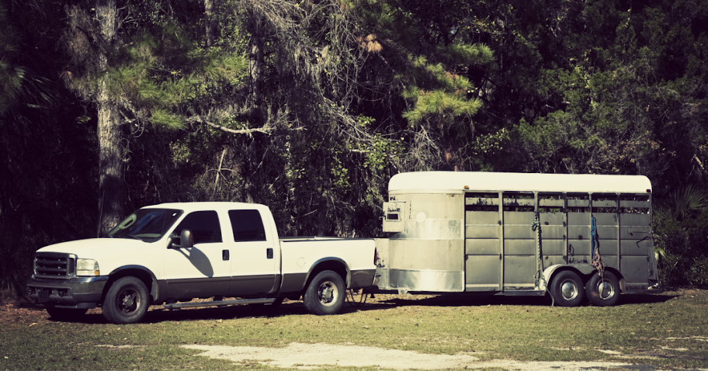 truck hauling livestock trailer