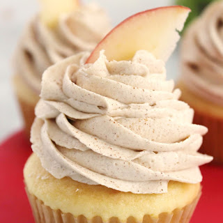 Apple Filled Cupcakes with Brown Sugar Cinnamon Buttercream Frosting