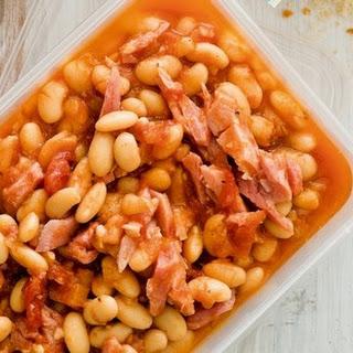 Kidney beans po-verkhovynsky (Zakarpatye recipe).